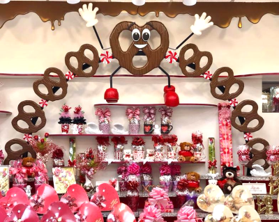 Created & Install Pretzel People at Sarris Candies with help of Zoom Corporation